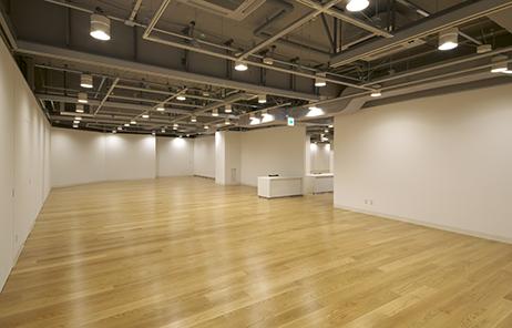 画像:2階展示室 photo:UESUGI Akira
