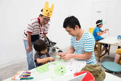 画像:「横浜市こどもの美術展」での活動の様子 photo:Ken KATO