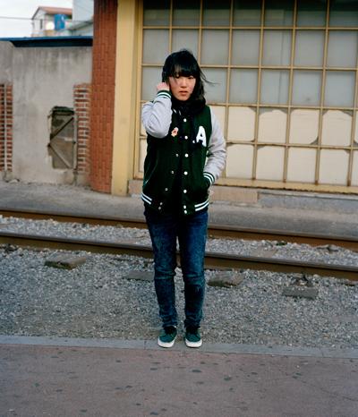 田代一倫 《「椿の街」より 韓国、木浦》 2010年 デジタルCプリント